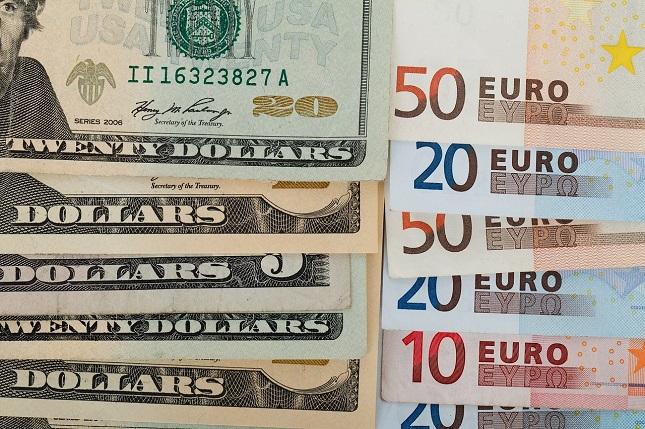 EUR/USD is Targeting 1.0980-60 on a Break Below 1.1015.