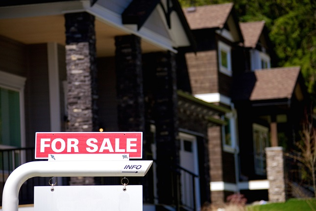 U.S Mortgage Rates Ease Back to Support Refinancing