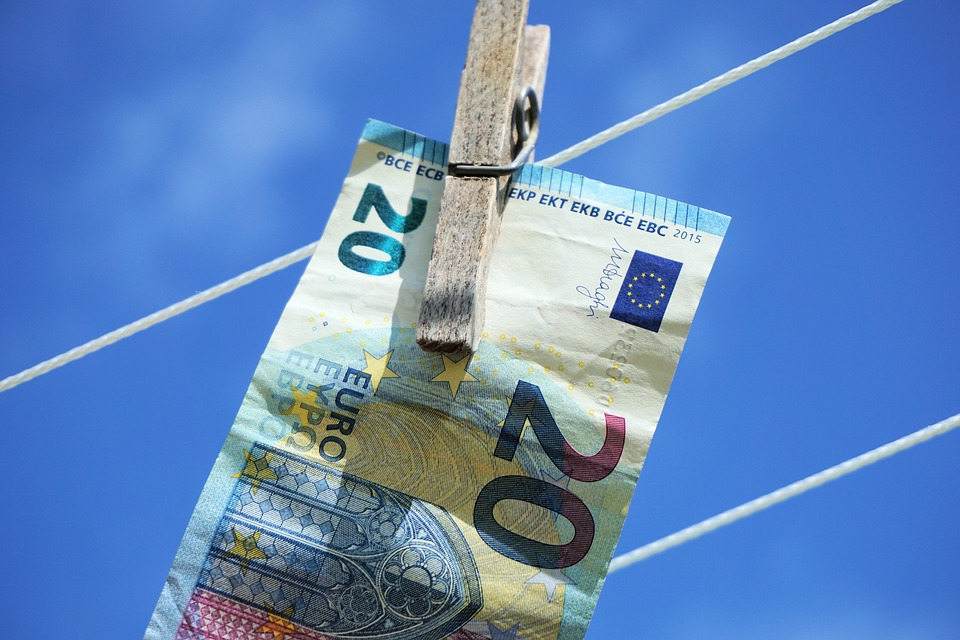 EUR/USD Price Forecast - Euro Rallies After Strong German ZEW