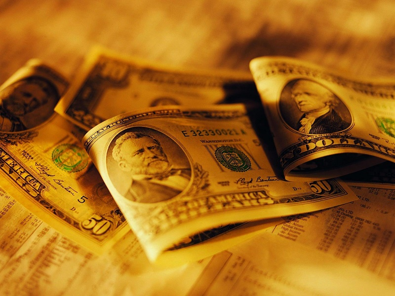 Dollar Remains King as Pandemic Fears Grip Markets