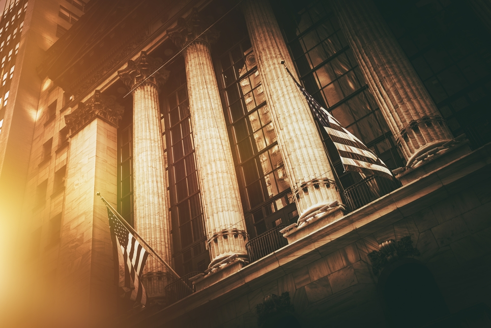 US Stock Market Overview – Stocks Close Lower, Experiencing a Roller Coaster Session