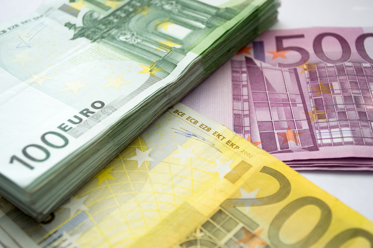 EUR/USD Daily Forecast – Euro Boosted By Proposed EU Stimulus Plan